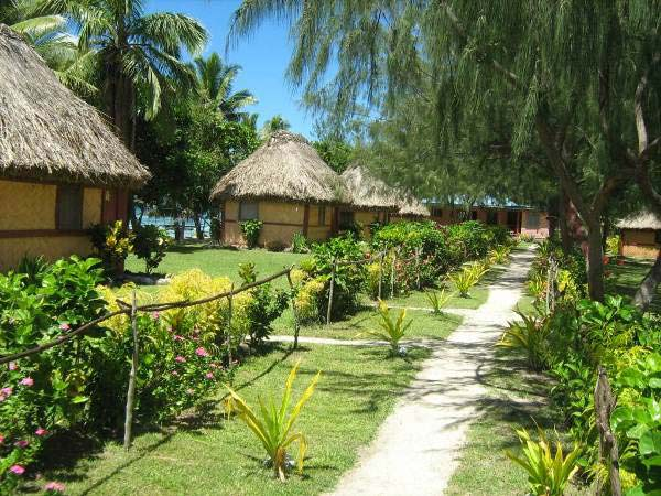 nabua lodge beach bures
