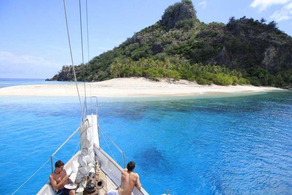 awe-monuriki-island-10008BAF5524-256E-EDC2-C554-84D9AC4EFB43.jpg