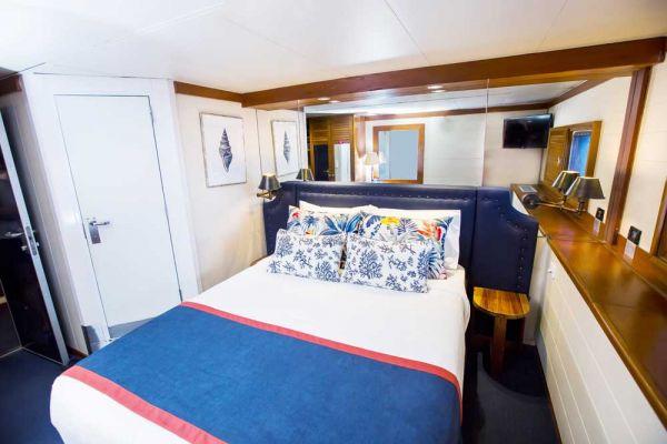 blc-cabin-double-10002F86B092-3873-CFC9-E7D7-7E930EF7FF09.jpg