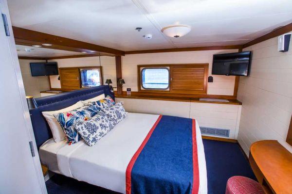 blc-cabin2-1000A498E269-49BB-B004-BCBB-F5D07FC77352.jpg