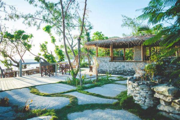 deck-bar-sunset-beach-barefoot-manta-jpg-1024x030C995AB-DA34-4741-52E9-986EDD724FC5.jpg