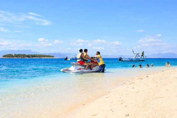 awe-beachcomber-jetboat-10009DE56301-95A0-2270-5BBD-613E0634127F.jpg