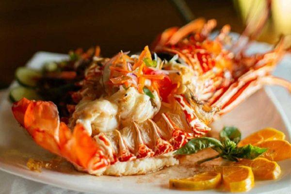 awe-nanuya-resort22-dinner-1000D7A82F41-DF7E-DC58-28FF-6C1C831C9CC0.jpg